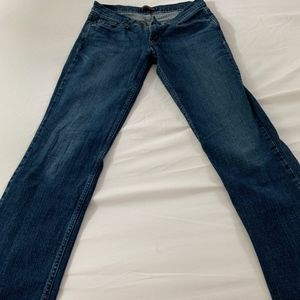Woman's too super low 524 jeans size 9Long